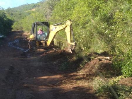 Obras recupera as estradas da região do Segredo