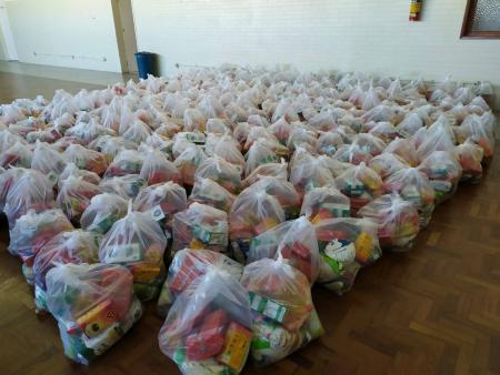 Entrega de cestas básicas