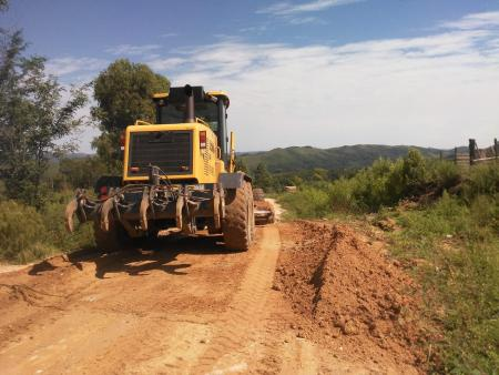 OBRAS em AÇÃO - Estradas recebem manutenção